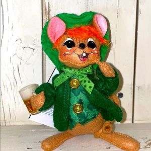 ☘️SALE☘️St.Patrick's Day AnnaLee Mouse & Beer ☘️
